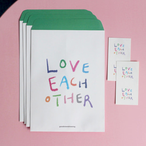 포장봉투 01. love each other